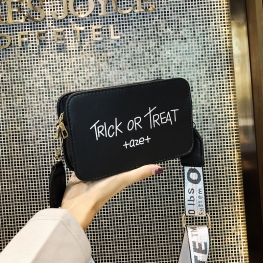TÚI HỘP TRICK OR TREAT QUAI CHỮ OFF WHITE P1056